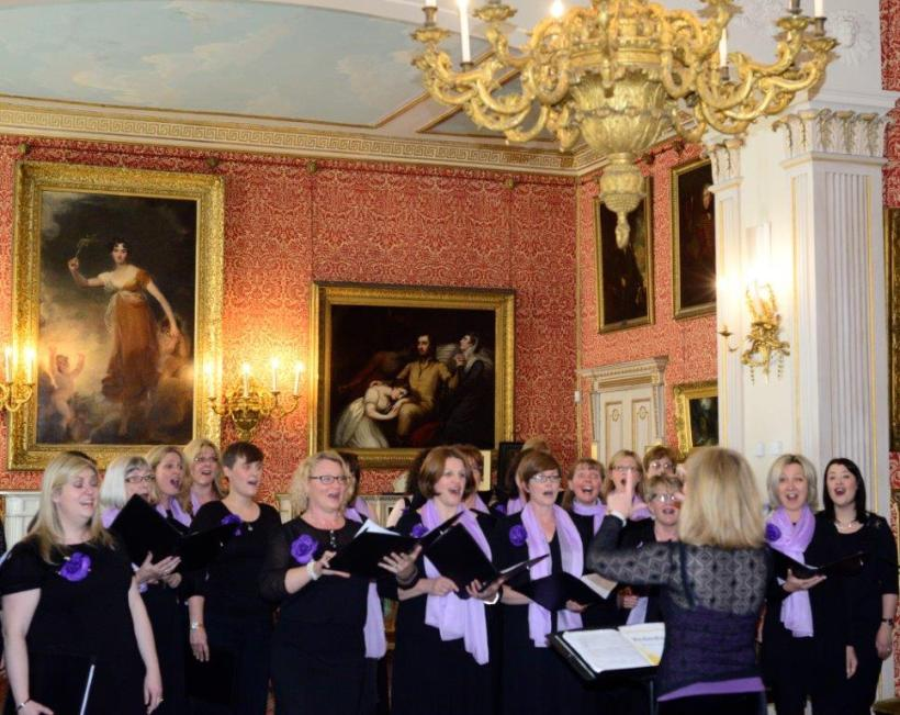 Choir sing at Tabley Hall